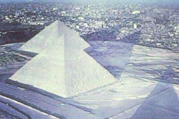 pyramid-snow-grabjpeg-2929283